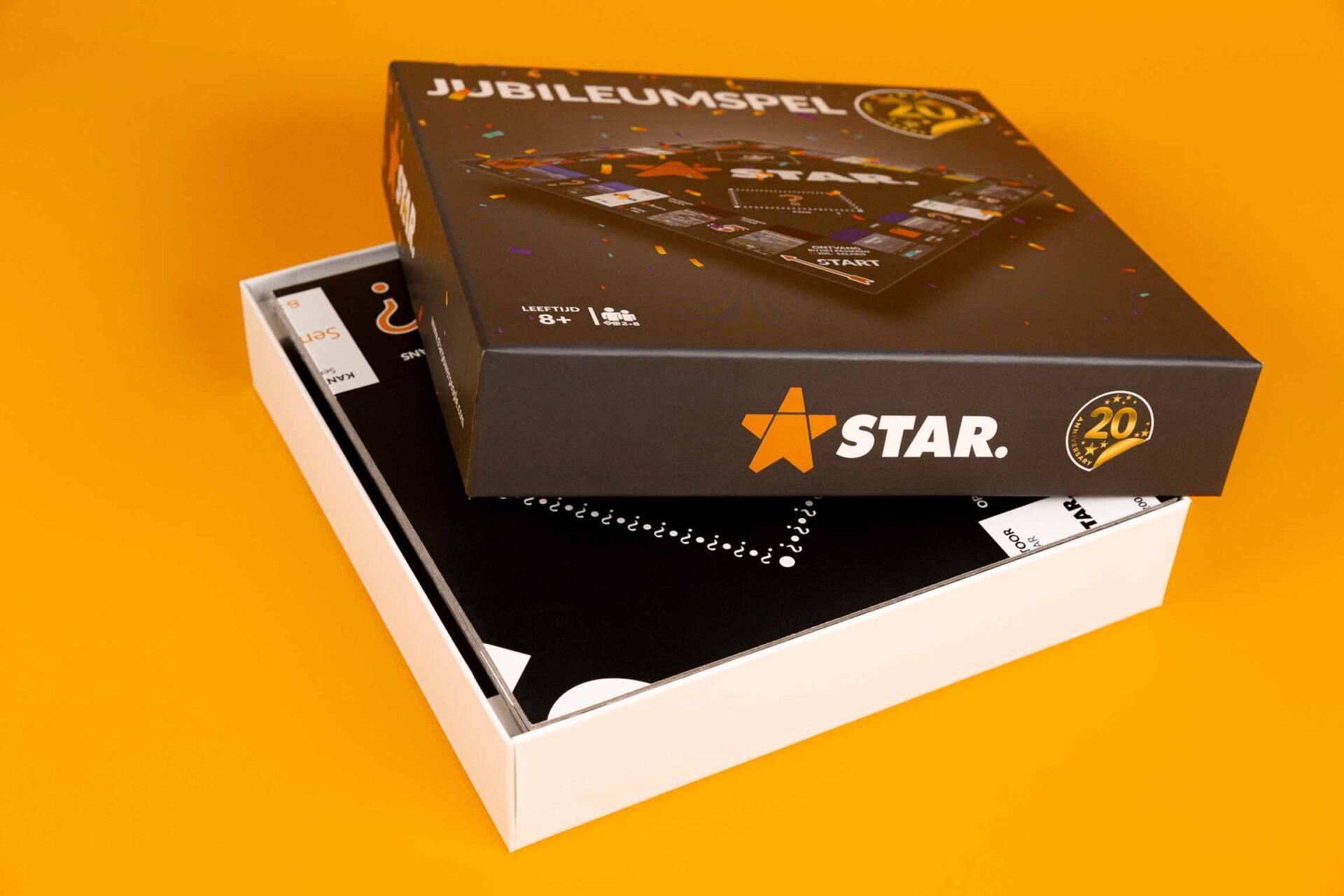 Doos met deksel interieur en spelbord – STAR